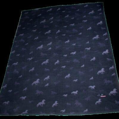 Karlslund Fleece tæppe med heste